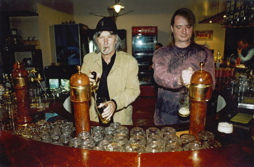 galeria dobos jakubisko capuju pivo